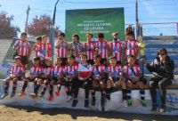 Pequeños jugadores de Estudiantes juntan fondos para participar de un torneo