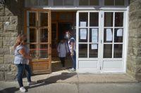 Las escuelas sin clases presenciales deberán organizar guardias mínimas