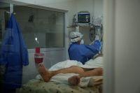 """Gil: """"la mayor cantidad de pacientes fallecidos con coronavirus, no estaban vacunados"""""""