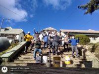 ¡Manos a la obra!: Vecinos repararon la escalera de ingreso al Hospital