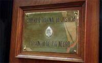 Familiares de víctimas de hechos de violencia rechazan la postulación de un abogado barilochense